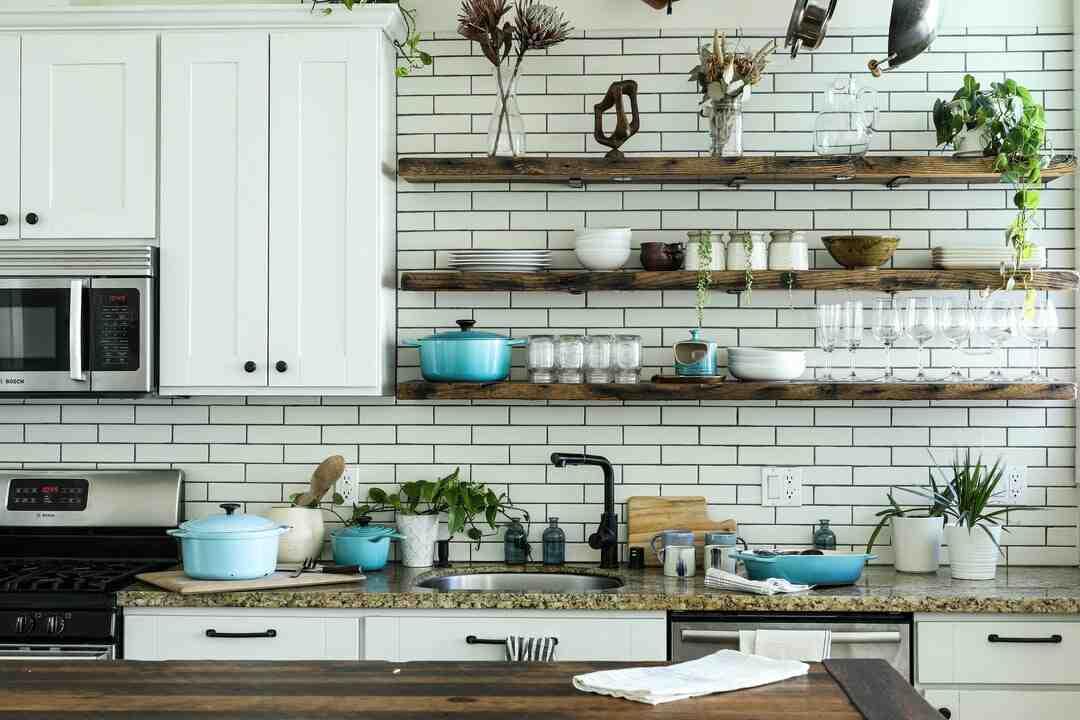 Comment disposer des spots au plafond d'une cuisine ?